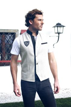 Gilet made of loden in beige with details in black. Chef Jackets, Archive, Beige, Classic, Black, Fashion, Derby, Moda, Black People
