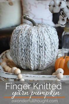 Autumn Crafts, Thanksgiving Crafts, Holiday Crafts, Finger Knitting Projects, Yarn Projects, Knitting Tutorials, Diy Pumpkin, Pumpkin Crafts, Pumpkin Ideas