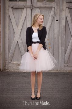 Who's a princess wannabe?? Great for kids & us girly girls too ;) presenting the DIY $16 tulle skirt