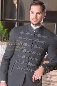 Hand Embroidery Designs, Embroidery Patterns, Kurta Men, Hungarian Embroidery, Fairy Clothes, Mens Fashion, Fashion Outfits, Wedding Men, Festival Outfits
