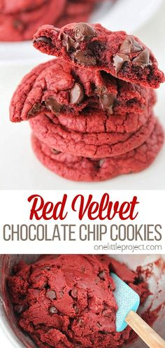 These gorgeous and decadent red velvet chocolate chip cookies are so simple and easy to make! They're the perfect treat for any chocolate lover! Chocolate Lovers, Vegetarian Chocolate, Dessert Recipes, Desserts, Chocolate Chip Cookies, Red Velvet, Baking Soda, Chips, Cooking Recipes