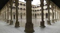El convento de San Pedro Mártir situado en Toledo  a través de sus sucesivas ampliaciones y modificaciones, llegó a ser uno de los conventos más ricos e importantes de la ciudad. El convento, de enormes dimensiones, se organiza en torno a tres patios: El más cercano a la entrada se denomina «Real»; el más pequeño es llamado del «Silencio», y el de los «Naranjos» o de las «Procesiones» está situado en el lado de la epístola de la iglesia.