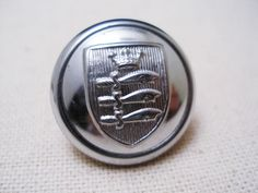 イギリスLiverpool Fire Brigadeのユニフォームボタンです。