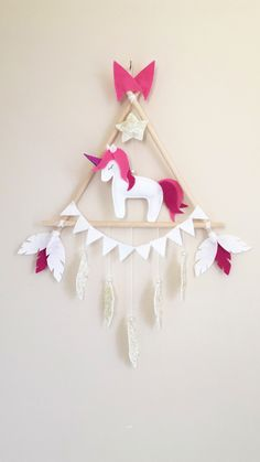 Unicorn Wall Decoration Handmade Sewing Craft Hobby Passion Felt on Home Decor Ideas 8324 Diy Home Crafts, Sewing Crafts, Crafts For Kids, Arts And Crafts, Kids Diy, Baby Wall Decor, Diy Nursery Decor, Unicorn Wall, Unicorn Party