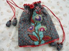 Embroidery Stitches, Embroidery Patterns, Hand Embroidery, Sewing Caddy, Yarn Flowers, Art Textile, Embroidered Bag, Boho Bags, Sewing Crafts