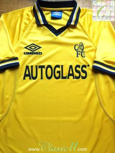 Relive Chelsea's 1998/1999 season with this vintage Umbro 3rd kit football shirt.