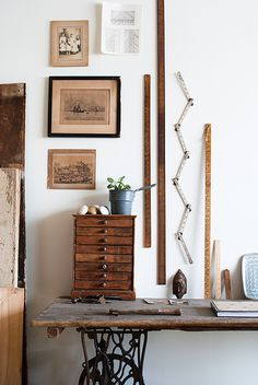 Vintage rustic nuances and details scattered about a space add character to a room. #MaggiePate #InksandThread