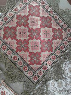 Gallery.ru / Фото #117 - giasemi 1 - ergoxeiro Crochet Crafts, Diy Crafts, Cross Stitch Patterns, Crochet Patterns, Vintage Romance, Bargello, Table Covers, Embroidery Stitches, Needlepoint
