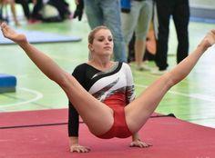 - very nice stuff - share it - Gymnastics Flexibility, Gymnastics Poses, Gymnastics Photography, Gymnastics Pictures, Sport Gymnastics, Artistic Gymnastics, Olympic Gymnastics, Sixpack Workout, Female Gymnast