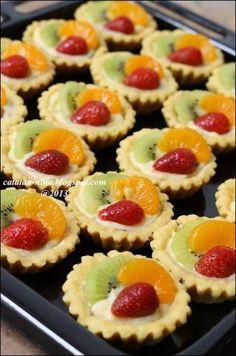 Cupcakes Recipes Fruit Sweets 25+ Ideas #recipes #fruit #cupcakes Mini Fruit Pies, Fruit Tartlets, Mini Pies, Mini Desserts, Cookie Desserts, Fruit Tart Recipes, Cheesecake Recipes, Cupcake Recipes, Dessert Recipes