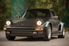 Auction Block: 1988 Porsche 911 Turbo 'Flat Nose' When race blood meets a street body. Go to Source Author: Parker L Ross... http://drwong.live/rides/auction-block-1988-porsche-911-turbo-flat-nose/