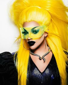 "Drag Makeup ""That's why her hair's so big - it's full of secrets. Drag Queen Makeup, Drag Makeup, Rupaul, Versace, Queen Outfit, Genderqueer, Yellow Hair, Fancy Hairstyles, Future Fashion"