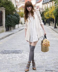 high-socks-with-shoes-and-woven-bag-with-vintage-outfit