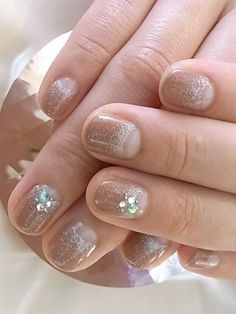 nude colored nail-art