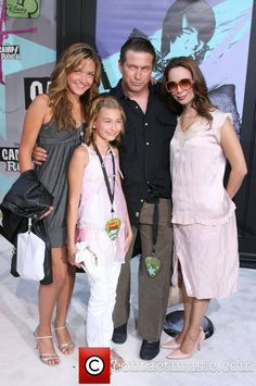 Stephen Baldwin, wife Kennya and daughters Alia (1993) and Hailey (1996)