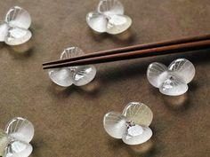 ガラスの箸置き/水の花・クリア | ハンドメイドマーケット minne