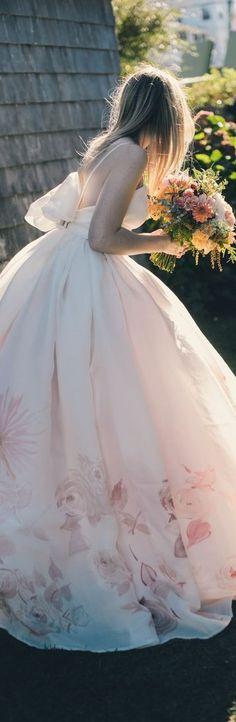 Lovely wedding dress via @lunamiangel. #bridal #weddings