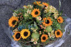 Sonnenblumengesteck Friedhof Münsingen