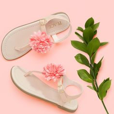 Girls' fashion | Kids' clothes | Flower sandals | The Children's Place