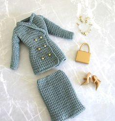 Crochet pattern (PDF) suit jacket & skirt for Silkstone Barbie doll Fashion Royalty Crochet pattern PDF suit jacket & skirt por PrincessOfCrochet Crochet World, Crochet Books, Cute Crochet, Easy Crochet, Barbie Dress, Barbie Doll, Dolls Dolls, Girl Dolls, Crochet Barbie Clothes