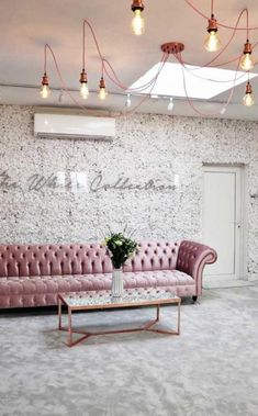 Bridal Boutique Interior, Boutique Interior Design, Boutique Decor, Beauty Room Decor, Beauty Salon Decor, Beauty Bar, Schönheitssalon Design, Design Ideas, Interior Design Pictures