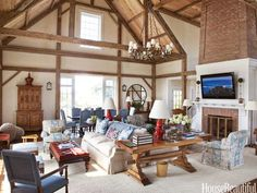 Bunny Williams Barn Living Room Library Tables Trends Rustic Study Room Design Ideas For Plans Barn Living, Home And Living, Cozy Living, Country Living, Country Style, Bedroom Furniture Placement, Dining Room Blue, Dining Chairs, Dining Table