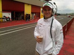 Nico Hülkenberg with a cup of coffee - Mugello test series, May 2012