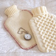 Aran and Stocking Stitch Hot Water Bottle Covers (free pattern) - Use these two knitting stitches to dress-up your hot-water bottles in a beautiful and cosy way / Daily Fix Knitting Patterns Free, Knit Patterns, Free Pattern, Knitting Stitches, Crochet Home, Knit Crochet, Knitting Projects, Sewing Projects, Water Bottle Covers