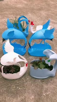 Waste can be used to make good potted plants. Plastic Bottle Planter, Plastic Bottle Flowers, Plastic Bottle Crafts, Diy Bottle, Recycle Plastic Bottles, Plastic Container Crafts, Diy Crafts Hacks, Diy Arts And Crafts, Waste Bottle Craft