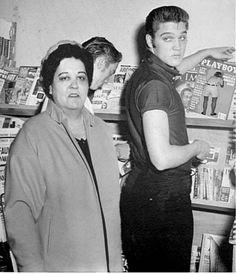 Elvis 39 & mother Gladys