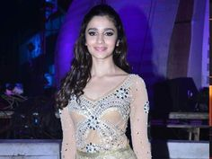 Alia Bhatt Wishes to Act in a Comedy Movie  http://ndtv.in/1nmQIGG
