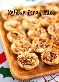 Kahlua Pecan Brie - Plain Chicken Bite Size Appetizers, Finger Food Appetizers, Yummy Appetizers, Appetizers For Party, Appetizer Recipes, Appetizer Ideas, Finger Foods For Party, Tailgate Food, Christmas Appetizers