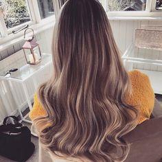 Natural Balyage, Hair Looks, Tangled, Hair And Nails, My Hair, Hair Ideas, Long Hair Styles, Beauty, Fashion