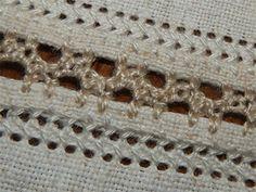 Подільська розшивка – характерний змережувальний шов, який широко використовувався для зшивання деталей одягу на Поділлі.
