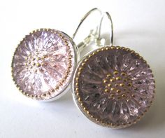 PINK daisy glass buttons