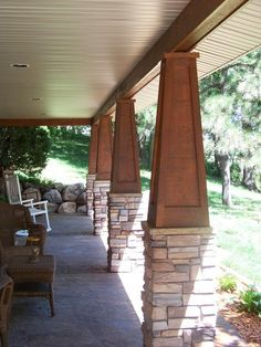 Stained wood paneled tapered atop a stone pedistal -this would look so good on our front porch! Craftsman Style Porch, Craftsman Columns, Craftsman Home Exterior, Craftsman Bungalows, Front Porch Columns, Front Porches, Front Porch Posts, Front Deck, Stone Columns
