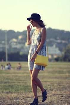 i am not usually a huge fan of yellow but for some reason i really like that purse