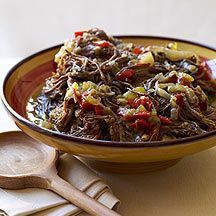 Weight Watchers Slow Cooker Ropa Vieja: Shredded beef served on tortillas or over rice. Add sour cream, cheese, and fresh cilantro on the side. Ww Recipes, Slow Cooker Recipes, Crockpot Recipes, Great Recipes, Favorite Recipes, Recipies, Dinner Recipes, Cacciatore Recipes, Chicken Cacciatore