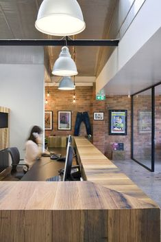Lights/OPEN ceiling plan/ privacy panel @ reception /brick wall