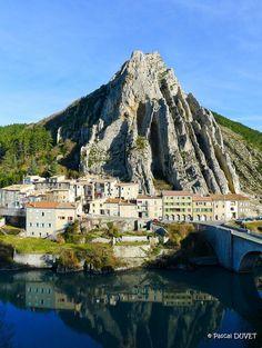 Roche et quartier de la Baume à Sisteron - Alpes de Haute Provence 04