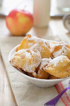 Beignet aux pommes : une envie ! (confort food)    Making these tomorrow! :) You can get the mix at World Market!