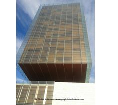 Torre Castelar de Madrid iluminada