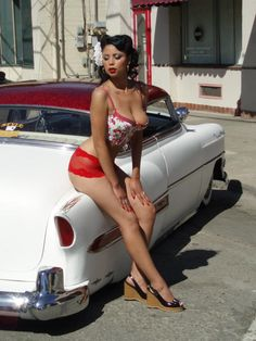 sexy pin up car girl pictures Car Girls, Pin Up Girls, Hot Rods, Look Rockabilly, Pin Up Car, Botas Sexy, Pin Up Models, Lowrider, Mode Vintage