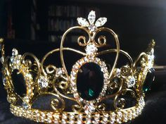 """""""Queen Margaret of Scotland the Isles emerald crown."""" Crown from Scarborough Renaissance Festival. Royal Crown Jewels, Royal Crowns, Royal Tiaras, Royal Jewelry, Tiaras And Crowns, Antique Jewelry, Vintage Jewelry, Family Jewels, Circlet"""