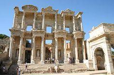 Library of Celsus, ruins of Ephesus, Selçuk, Turkey.