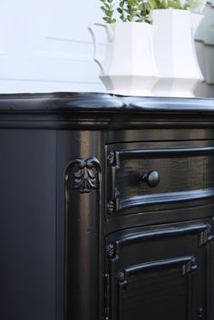 Glossy Black Paint Furniture Finish