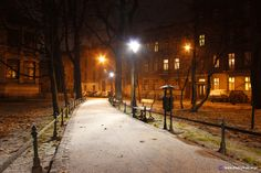 Krakow, Poland First snow on 04.12.2013