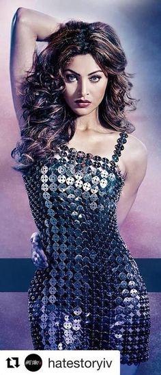 Urvashi Rautela Bollywood Girls, Bollywood Actress Hot, Most Beautiful Indian Actress, Most Beautiful Women, Indian Celebrities, Beautiful Celebrities, Shraddha Kapoor Cute, Hot Dress, India Beauty