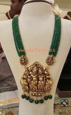 Temple Jewellery latest jewelry designs - Page 11 of 125 - Indian Jewellery Designs Gold Temple Jewellery, Bead Jewellery, Gold Jewelry, Designer Jewellery, India Jewelry, Pendant Jewelry, Handmade Jewellery, Mughal Jewelry, Jewelry Necklaces