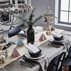 <p>Si vous avez envie de céder à la tentation d'un <strong>centre de table</strong> fait maison, c'est le moment où jamais de faire parler votre fibre DIY:...